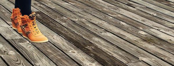 deska podłogowa drewniana