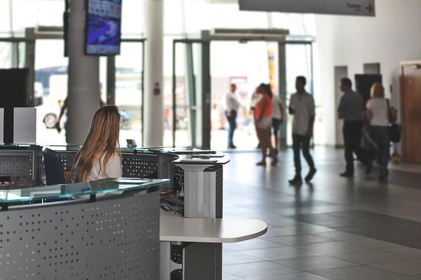 gdańsk lotnisko wypożyczalnia aut