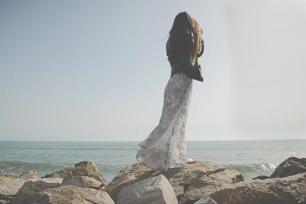 ładna sukienka maxi w liście