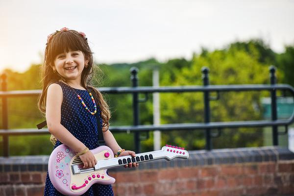 jaka gitara dla dziecka na początek